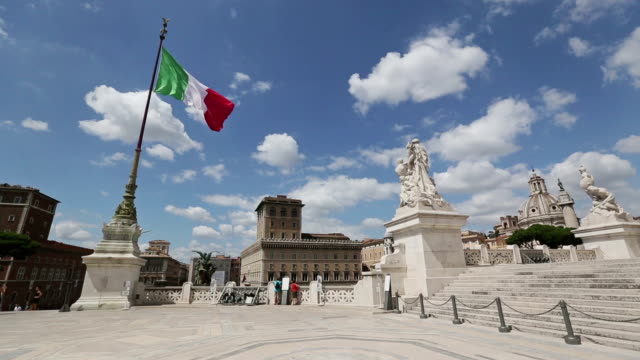 vittorio emanuele monument in rome and italian flag - italian flag stock videos and b-roll footage