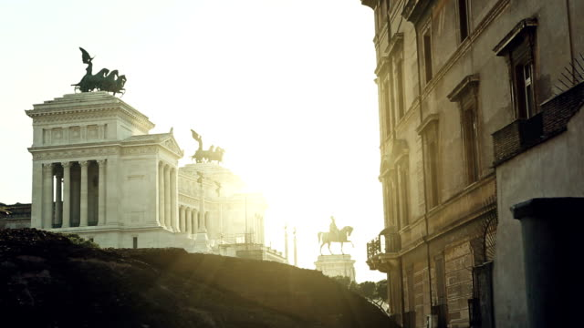 vittorio emanuele monument in rome at sunset - altare della patria stock videos and b-roll footage