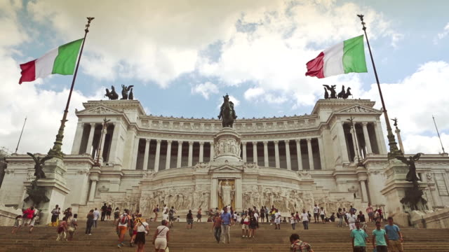 vittorio emanuele monument in rome - altare della patria stock videos and b-roll footage