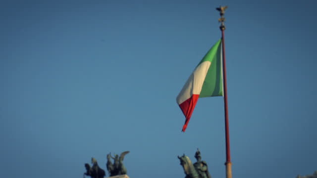 vittorio emanuele or altare della patria monument in rome - altare della patria stock videos and b-roll footage