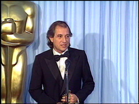 vídeos de stock, filmes e b-roll de vittorio storaro at the 1988 academy awards at the shrine auditorium in los angeles, california on april 1, 1988. - shrine auditorium