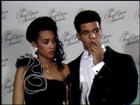 stockvideo's en b-roll-footage met vivica a fox at the soap opera awards at the beverly hilton in beverly hills, california on january 13, 1990. - soapserie