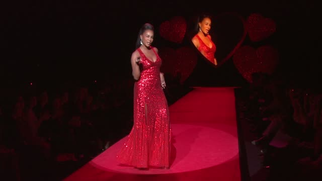 vivica a fox lynda carter and daisy fuentes at the mercedesbenz fashion week fall 2009 the heart truth's red dress collection runway at new york ny - daisy fuentes stock videos & royalty-free footage