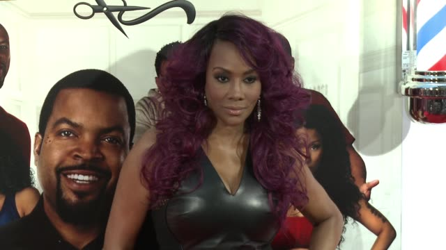 stockvideo's en b-roll-footage met vivica fox at barbershop the next cut los angeles premiere at tcl chinese theatre on april 06 2016 in hollywood california - tcl chinese theatre