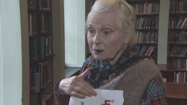vivienne westwood on her concerns for the climate change and the world at lfw: vivienne westwood red label - a/w16 runway at on february 21, 2016 in... - westwood bildbanksvideor och videomaterial från bakom kulisserna