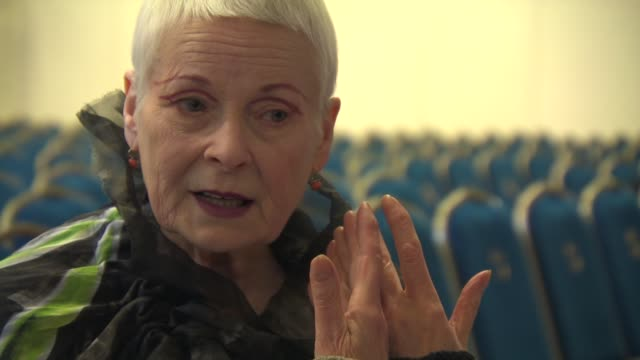 vídeos de stock, filmes e b-roll de vivienne westwood on how because so passionate about the issue of fracking at anti-fracking photocall and debate at central hall westminster on june... - westwood