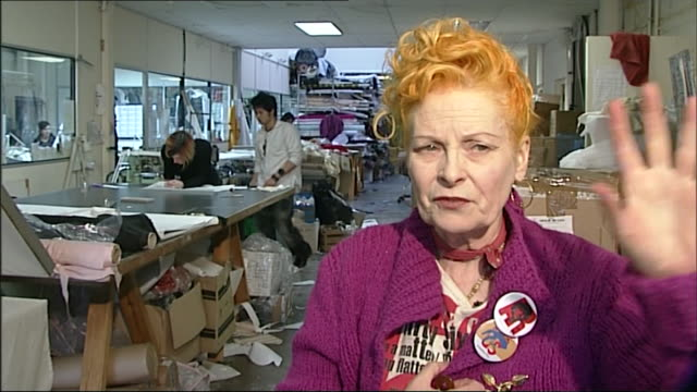 vivienne westwood thinks fashion is 'not art' and 'is to do with social life and taste' - westwood stock-videos und b-roll-filmmaterial