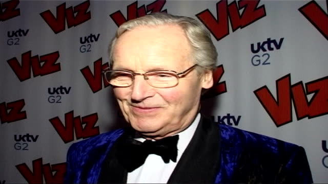 viz magazine's 25th birthday party; england: london: cafe de paris: int women dressed as bunny girls as people arrive for viz magazine's 25th... - nicholas parsons stock videos & royalty-free footage