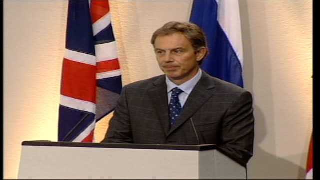 tony blair and putin press conference england london foreign and commonwealth office prime minister tony blair mp along with russian president... - tony blair stock-videos und b-roll-filmmaterial