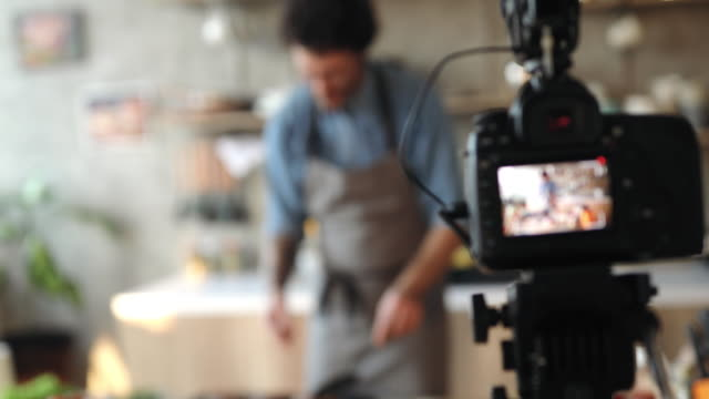 vlogging about food preparation - performance stock videos & royalty-free footage