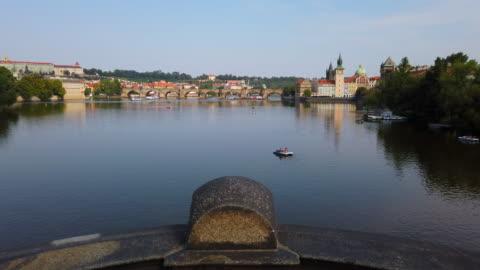 moldau - stare mesto stock-videos und b-roll-filmmaterial