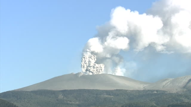 volcanic eruption of shinmoedake - 1 minute or greater stock videos & royalty-free footage