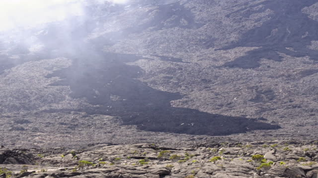 stockvideo's en b-roll-footage met ws volcanic landscape with fog, reunion island - french overseas territory