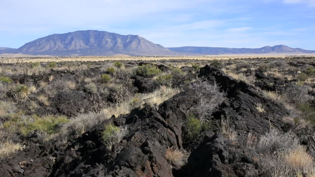 vulkangestein - kegel stock-videos und b-roll-filmmaterial