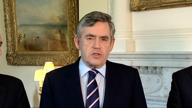 volcano ash cloud prevents air travel for a 5th day gordon brown statement gordon brown statement continued sot worried about inconvenience to... - flugpassagier stock-videos und b-roll-filmmaterial