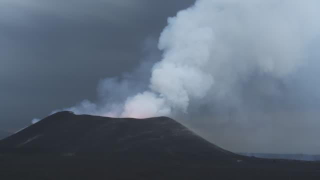 ws volcano erupting dusk, nyamuragira, democratic republic of congo, 2011 - basalt stock videos & royalty-free footage