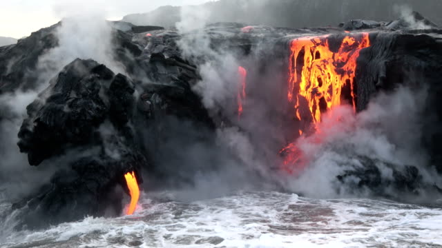 volcano kilauea on hawaii - lava stock-videos und b-roll-filmmaterial