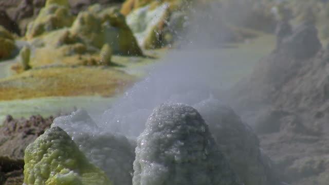 vídeos y material grabado en eventos de stock de volcán-vulkan_tag - mineral