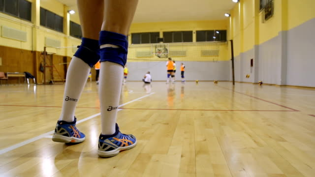 volleyball-praxis - volleyballnetz stock-videos und b-roll-filmmaterial