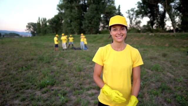 volunteer portraiture - environmentalist stock videos & royalty-free footage