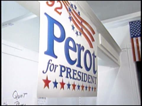 stockvideo's en b-roll-footage met volunteers run perot's campaign headquarters in 1992 - 1992