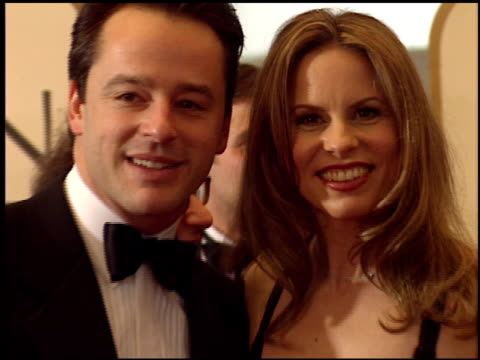 stockvideo's en b-roll-footage met vonda shephard at the 1999 golden globe awards at the beverly hilton in beverly hills, california on january 24, 1999. - vonda shepard