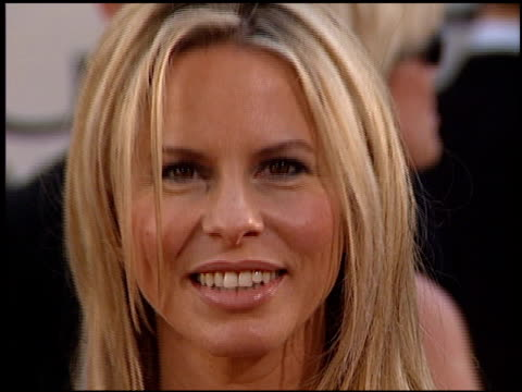 stockvideo's en b-roll-footage met vonda shephard at the 2002 golden globe awards at the beverly hilton in beverly hills, california on january 20, 2002. - vonda shepard