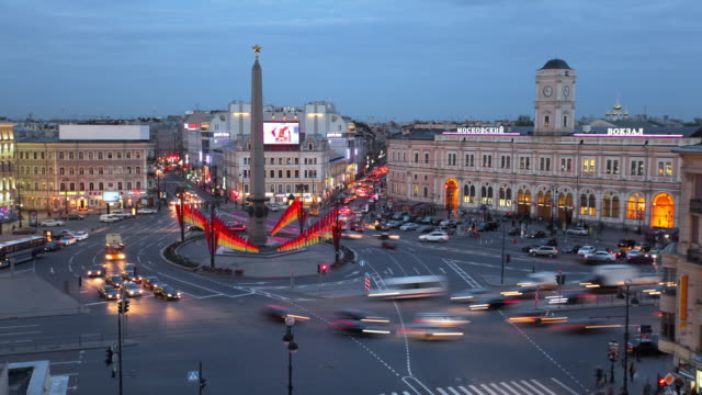 t/l ha vosstaniya square day to night transition 1 fast - commercial sign stock videos & royalty-free footage