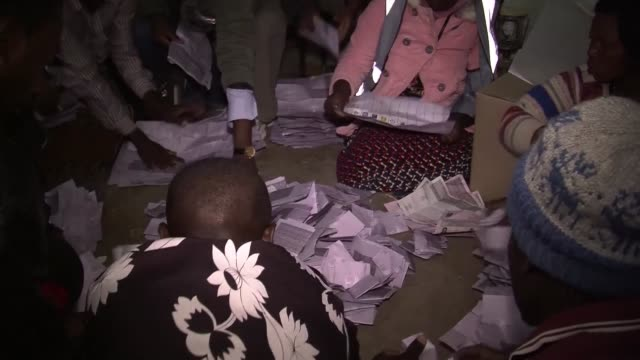 MWI: Malawi awaits result after tight three way election