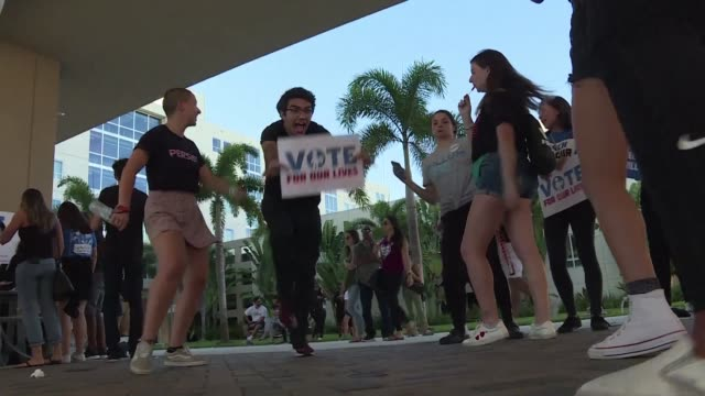 stockvideo's en b-roll-footage met vote for our lives movement visits florida international university as they prepare to turnout young voters to the polls on election day - tussentijdse verkiezing