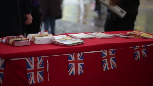 vote leave campaigners hand out promotional materials and talk to the public in manchester, u.k., on saturday, june 11, 2016 - 2016 video stock e b–roll