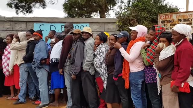 voters cast their ballots in kenyan president uhuru kenyatta's hometown in an election headlined by a knife edge battle between the incumbent and his... - hometown bildbanksvideor och videomaterial från bakom kulisserna