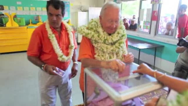 stockvideo's en b-roll-footage met voters in french polynesia have elected the party of political veteran gaston flosse preliminary results show amid anger over unemployment in the... - franse overzeese gebieden