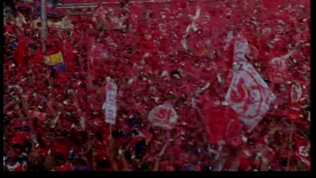 voters reject hugo chavez's plans to rewrite constitution tx huge outdoor rally in support of hugo chavez - ウゴ・チャベス点の映像素材/bロール