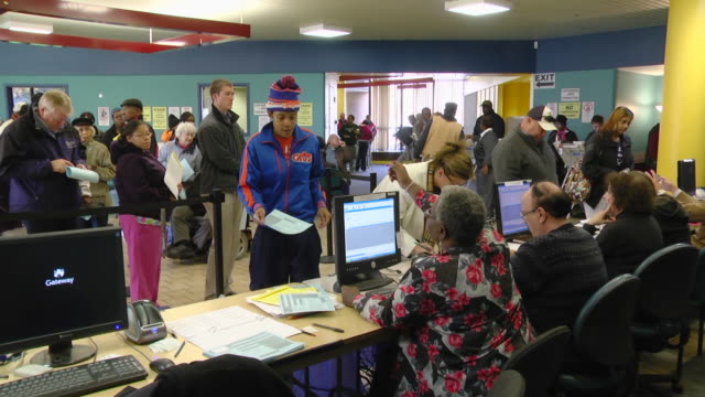 MS PAN Voters waiting in line to cast their ballots at early voting location two days before presidential election / Toledo, Ohio, United States