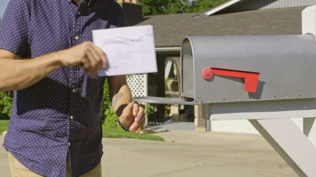 stockvideo's en b-roll-footage met stemmen per mail - post