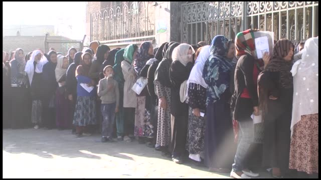 vídeos de stock e filmes b-roll de voting for the longdue afghan parliamentary elections began saturday amid tight security the polls opened at 7 am local time with some delays... - kandahar