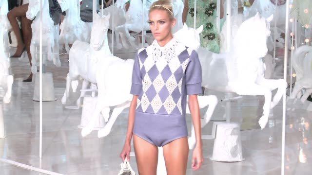 Vuitton have been showing off the latest creations from designer Marc Jacobs with supermodel Kate Moss invited on to the catwalk to present the...
