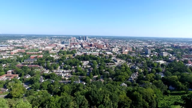 vulcan statue overlooks city of birmingham, alabama - birmingham alabama video stock e b–roll