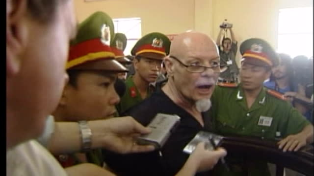 vung tau: int gary glitter speaking to press following his conviction for sex offences sot - i'm innocent / it's a conspiracy by you know who glitter... - gary glitter stock videos & royalty-free footage