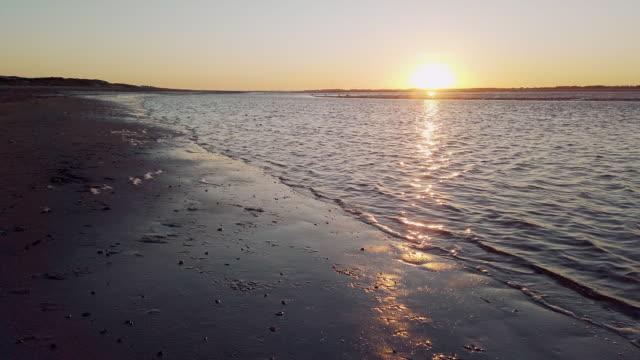 vídeos de stock, filmes e b-roll de mar de wadden, norte da alemanha - mar do norte