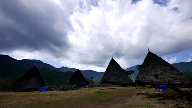 stockvideo's en b-roll-footage met wae rebo traditional village, flores indonesia. - rieten dak