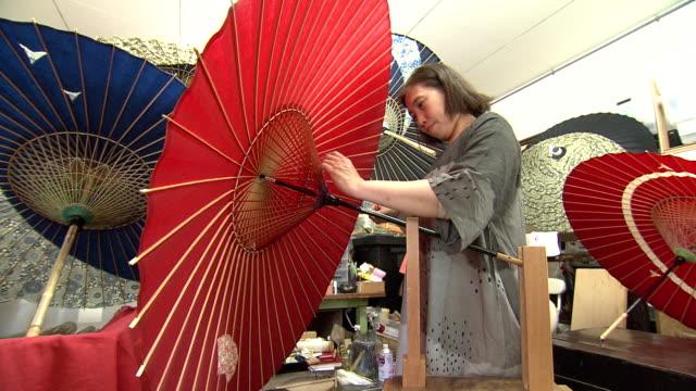 wagasa(japanese umbrella) - making in kanazawa, japan - 800 meter stock videos & royalty-free footage