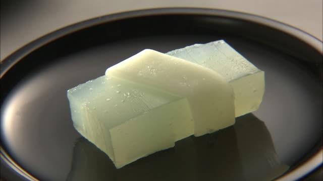 stockvideo's en b-roll-footage met wagashi, traditional japanese sweets - vier dingen