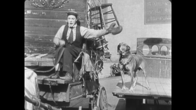 1922 Wagon driver (Buster Keaton) gets bitten by dog