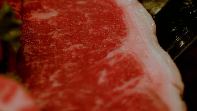 vídeos y material grabado en eventos de stock de carne de res de wagyu - carne de vaca