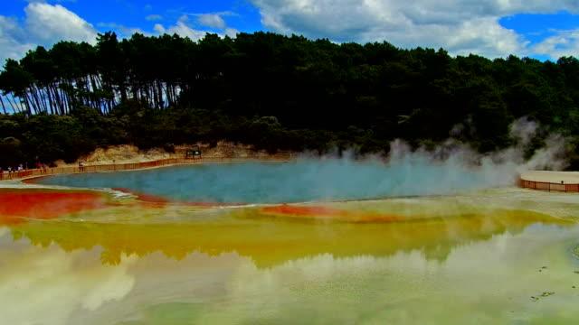 vidéos et rushes de waiotapu thermal park - nouvelle zélande