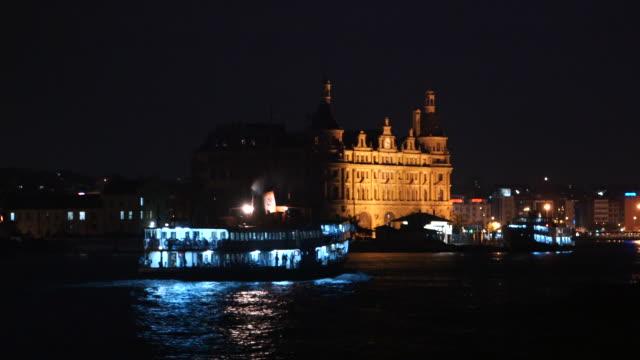 vídeos de stock e filmes b-roll de wake from boat night in turkey - wiese