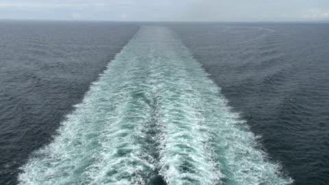 wake, track after ship. - propeller bildbanksvideor och videomaterial från bakom kulisserna