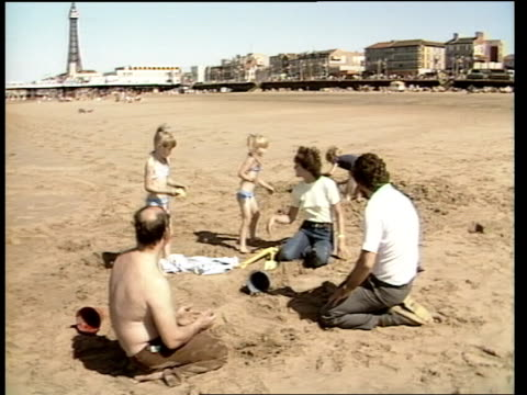 wakes week; salt interview sot katherine and stan ball and family on beach katherine ball interview sot **ball interview overlaid sot** children... - week video stock e b–roll